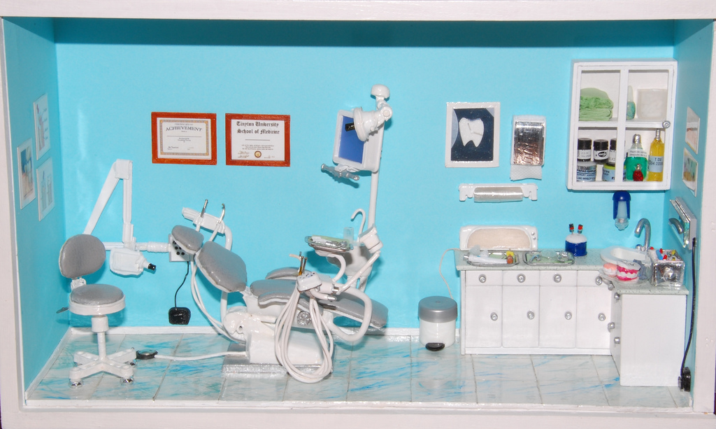 Toy Dentist Room